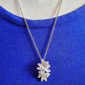 "20"" Silver Tone Floral Theme Pendant Necklace NWT"